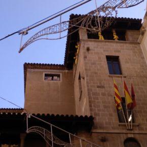 Ciutadans (Cs) Lleida denunciará ante la Junta Electoral a los grupos municipales que han colgado símbolos propagandísticos en el Ayuntamiento
