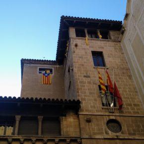 """Ángeles Ribes (Cs): """"La Junta Electoral da 24 horas para que se retiren los lazos amarillos y los símbolos separatistas de la fachada del Ayuntamiento de Lleida"""""""